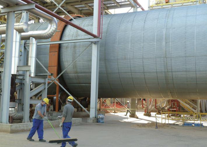 Super dryer ? the world's biggest drum dryer, a TSI-supplied 7.5m diameter unit with 126tph capacity, at Masisa do Brasil's Montenegro MDP plant